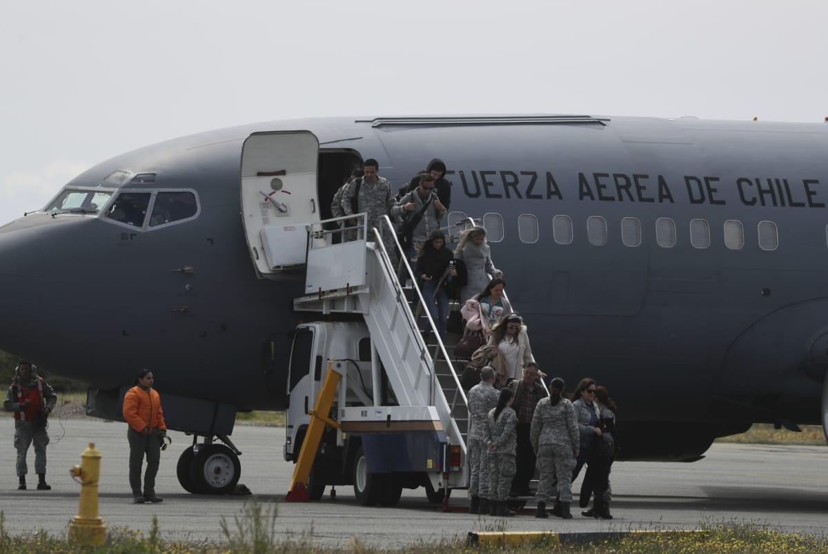 Hlln restos humanos del avión hileno desaparecido