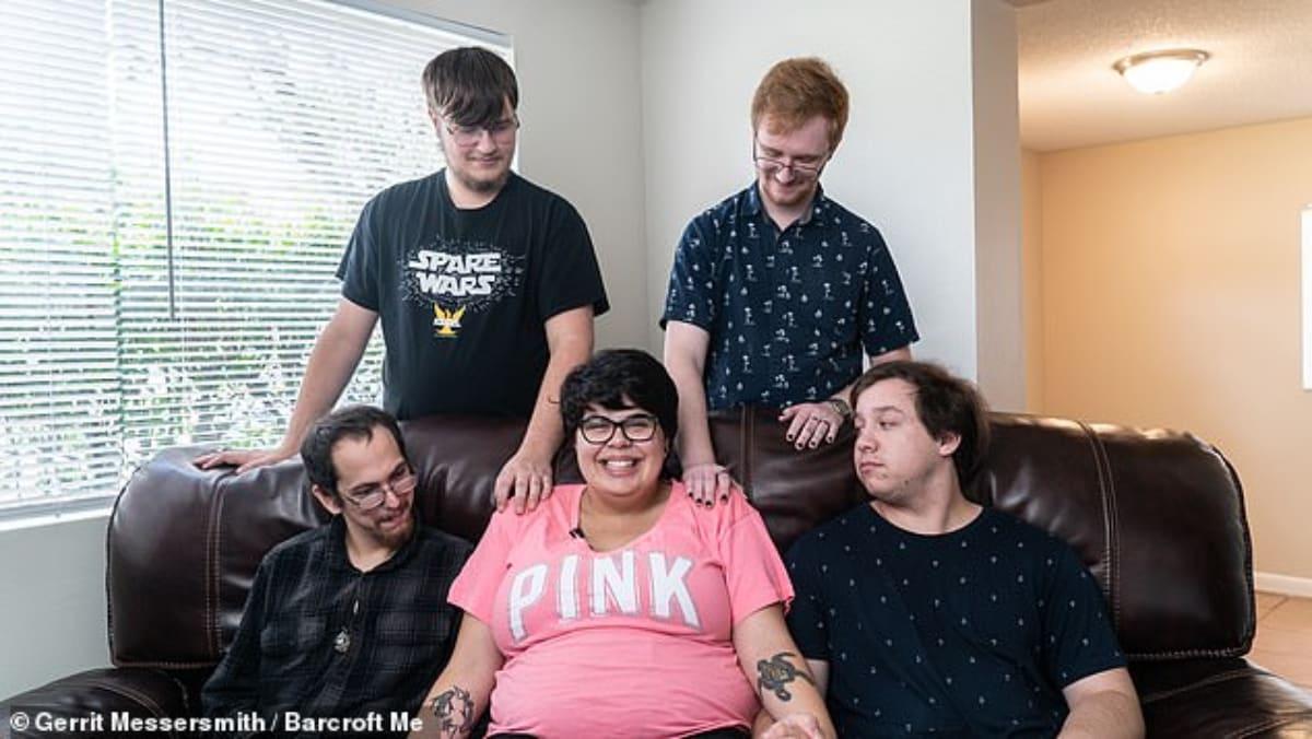 sexo con 4 novios