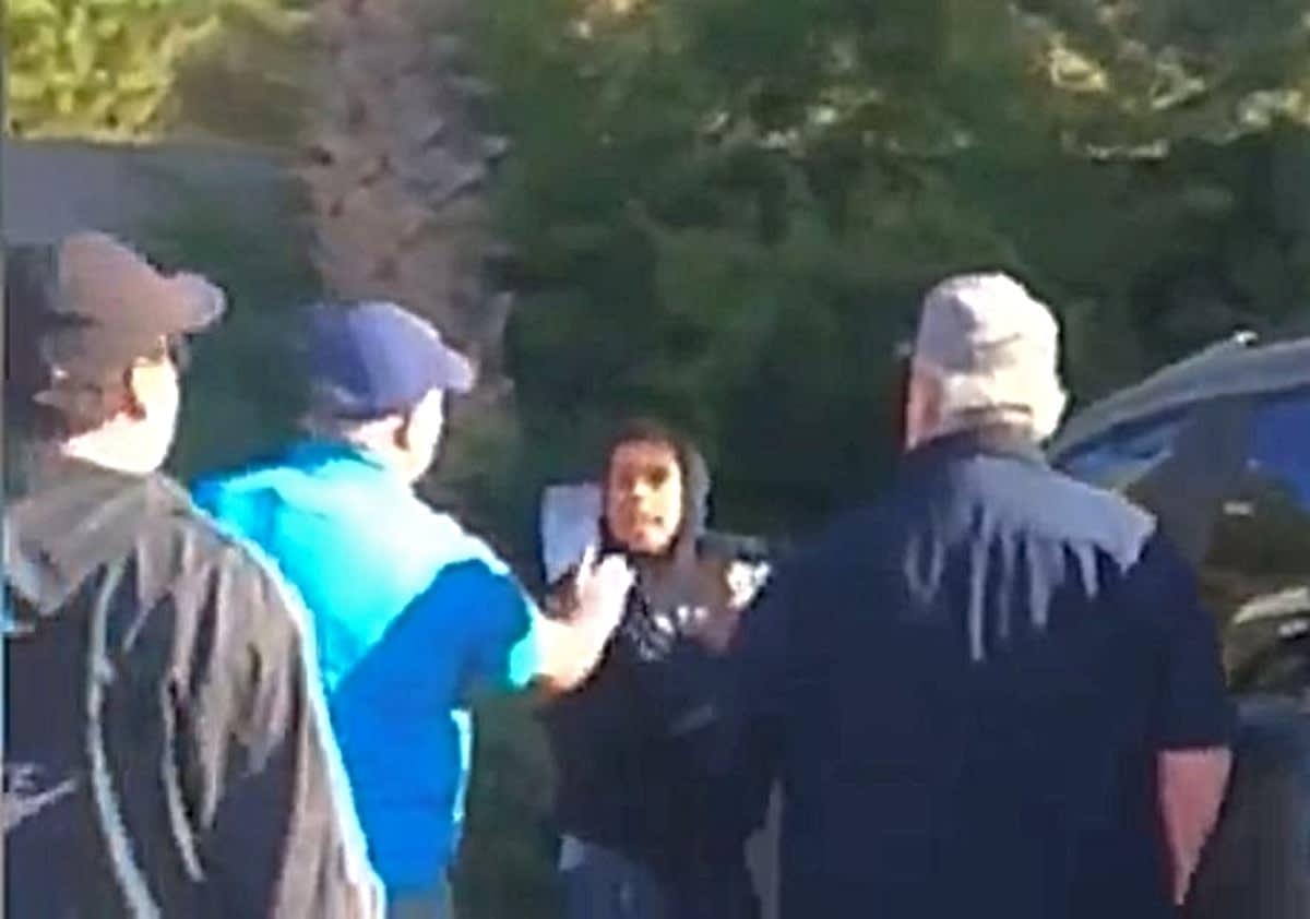 California. Hispano acuchilló a su ex novia, raptó a su hija y clientes de una gasolinera lo atrapan