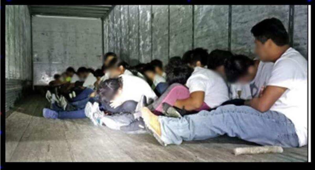 70 inmigrantes etiquetados
