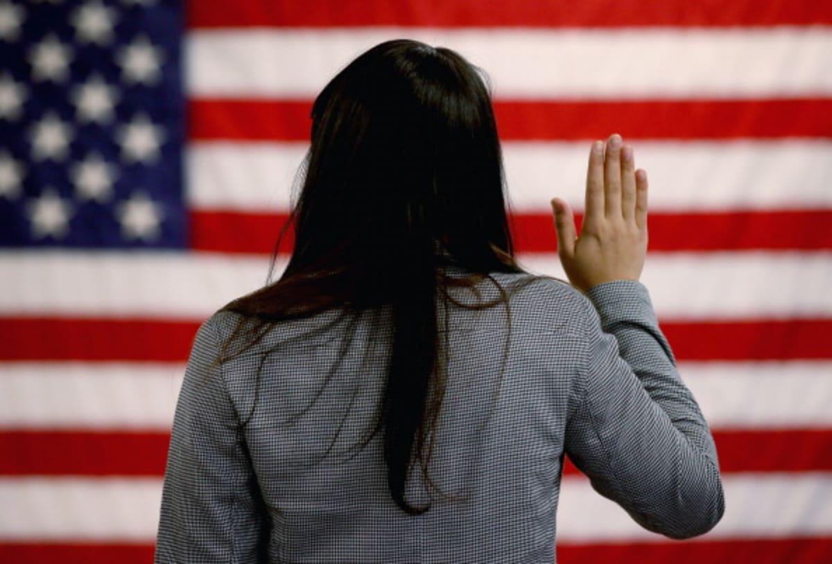 Migración Nueva York: Multan a negocios de trámites migratorios