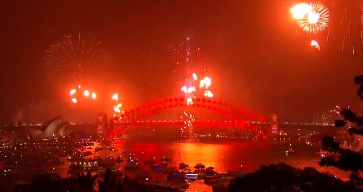 Fiestas de Año Nuevo-países-mundo- bengalas