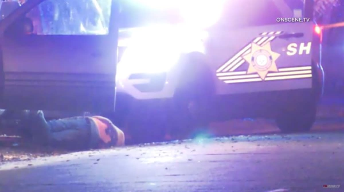 California: Policías persiguen y fusilan a hispano que traía a su bebé en la troca