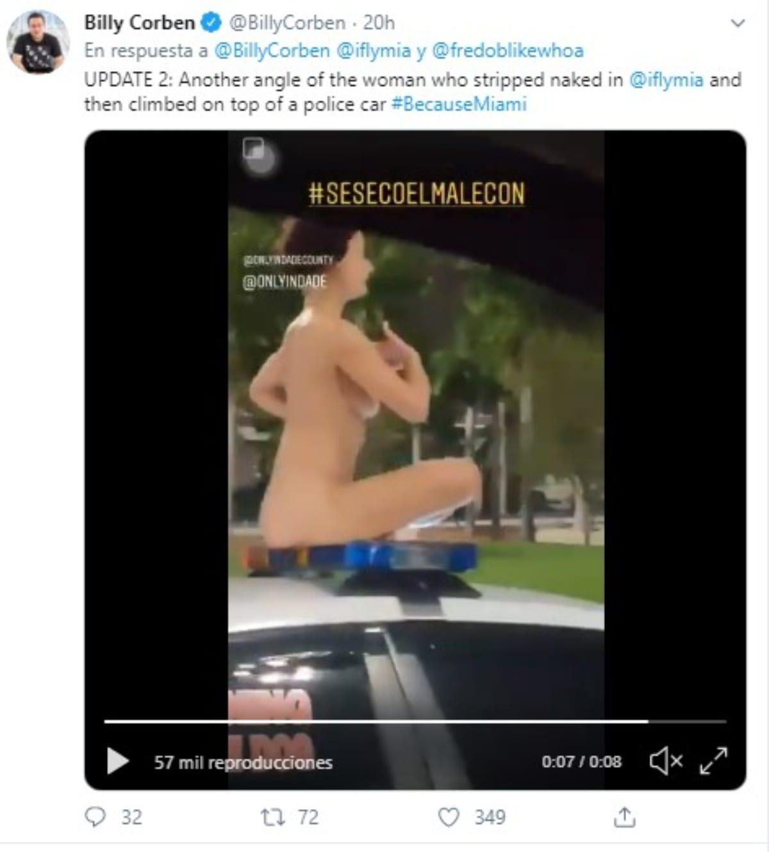 mujer desnuda en el aeropuerto