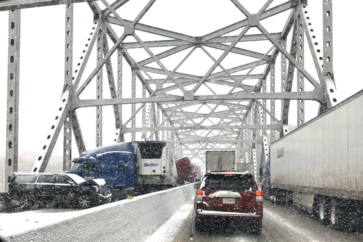 Tormenta de invierno cubre de nieve la frontera de México y Estados Unidos