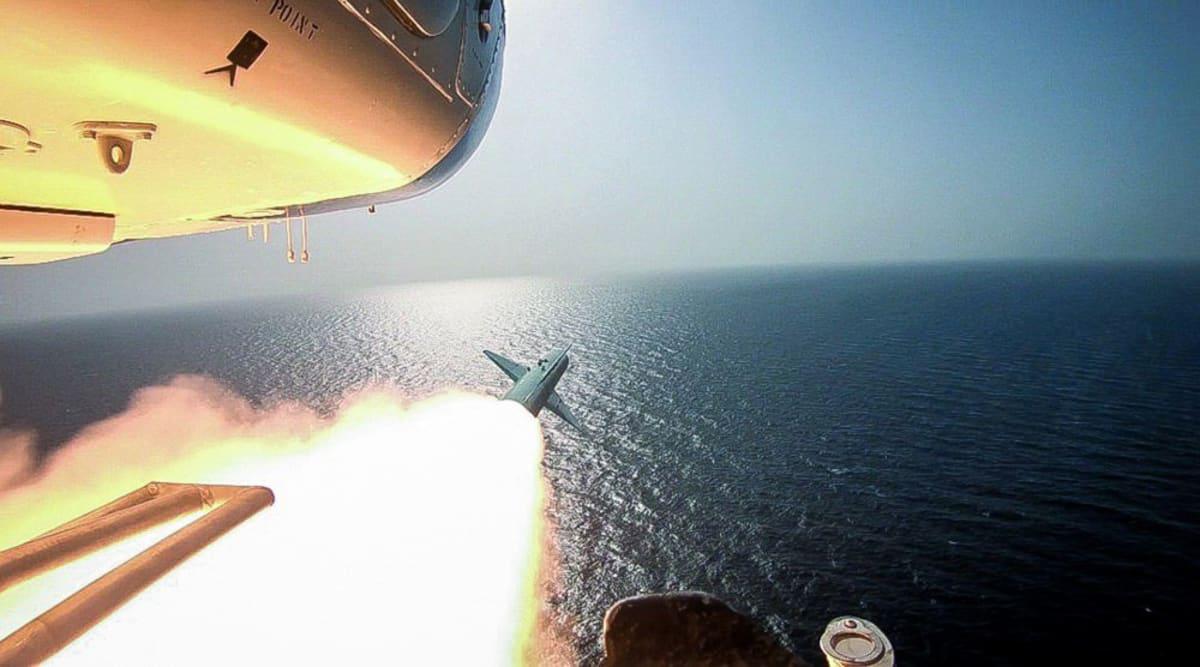Irán lanza misiles balísticos subterráneos en unas maniobras