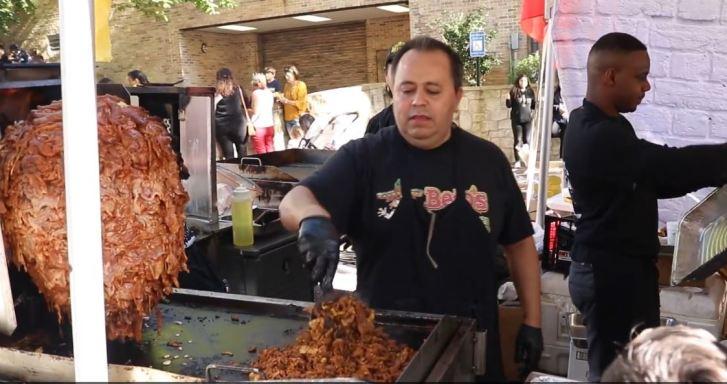 Mexicano pasó de vender 50 a 12 mil tacos en un día