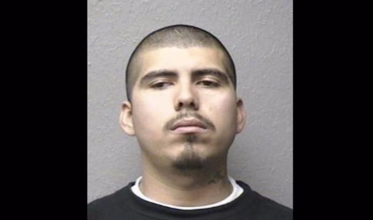 Joselito Martínez tiene una orden de arresto en Texas por el asesinato a balazos de otro hispano luego de una pelea en un bar.