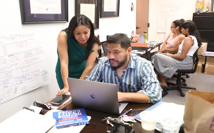 Jóvenes inmigrantes Ley Georgia Legisladora Brenda López Romero en plena campaña para el Congreso federal en 2020