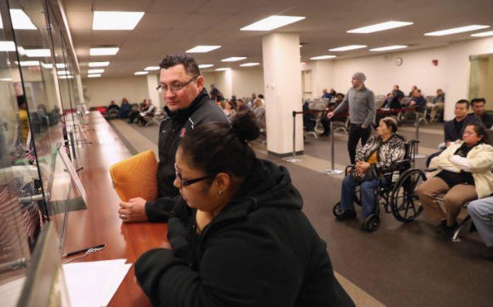 aplazamiento de deportación uscis abogado de inmigración cargas públicas