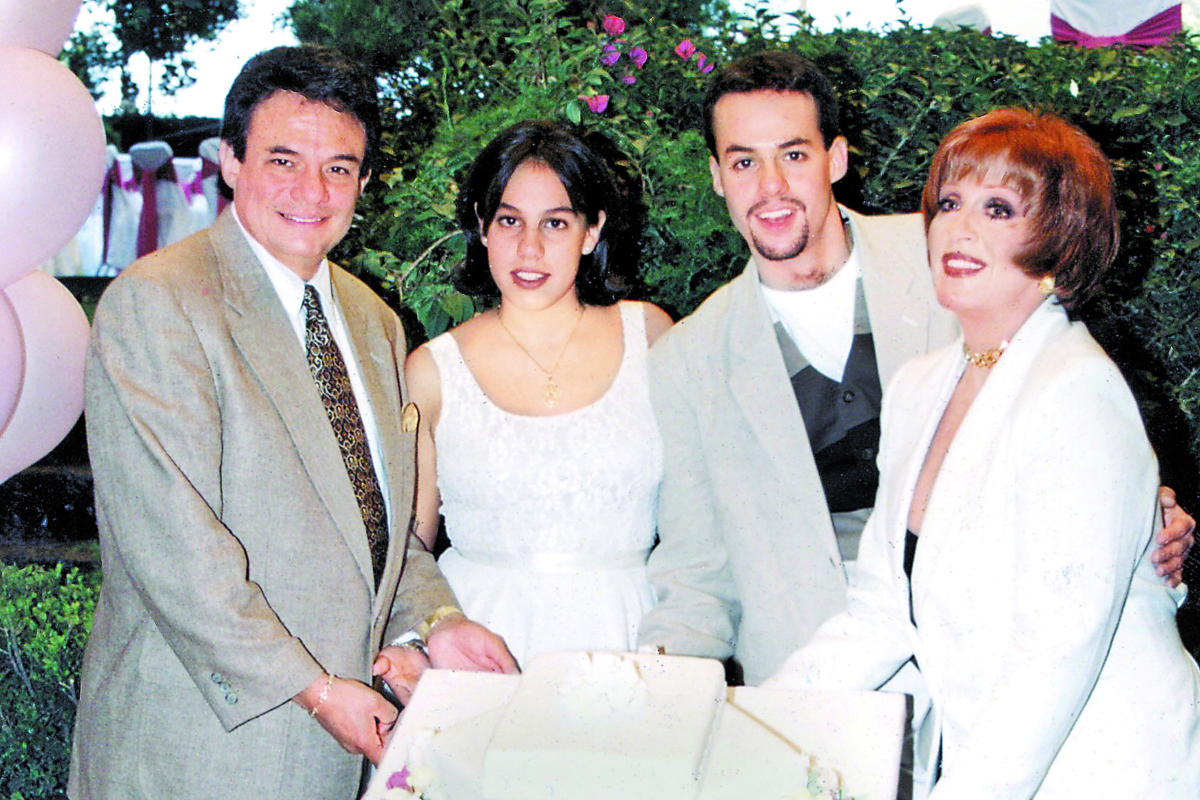 Hija de José José luto Marysol Sosa