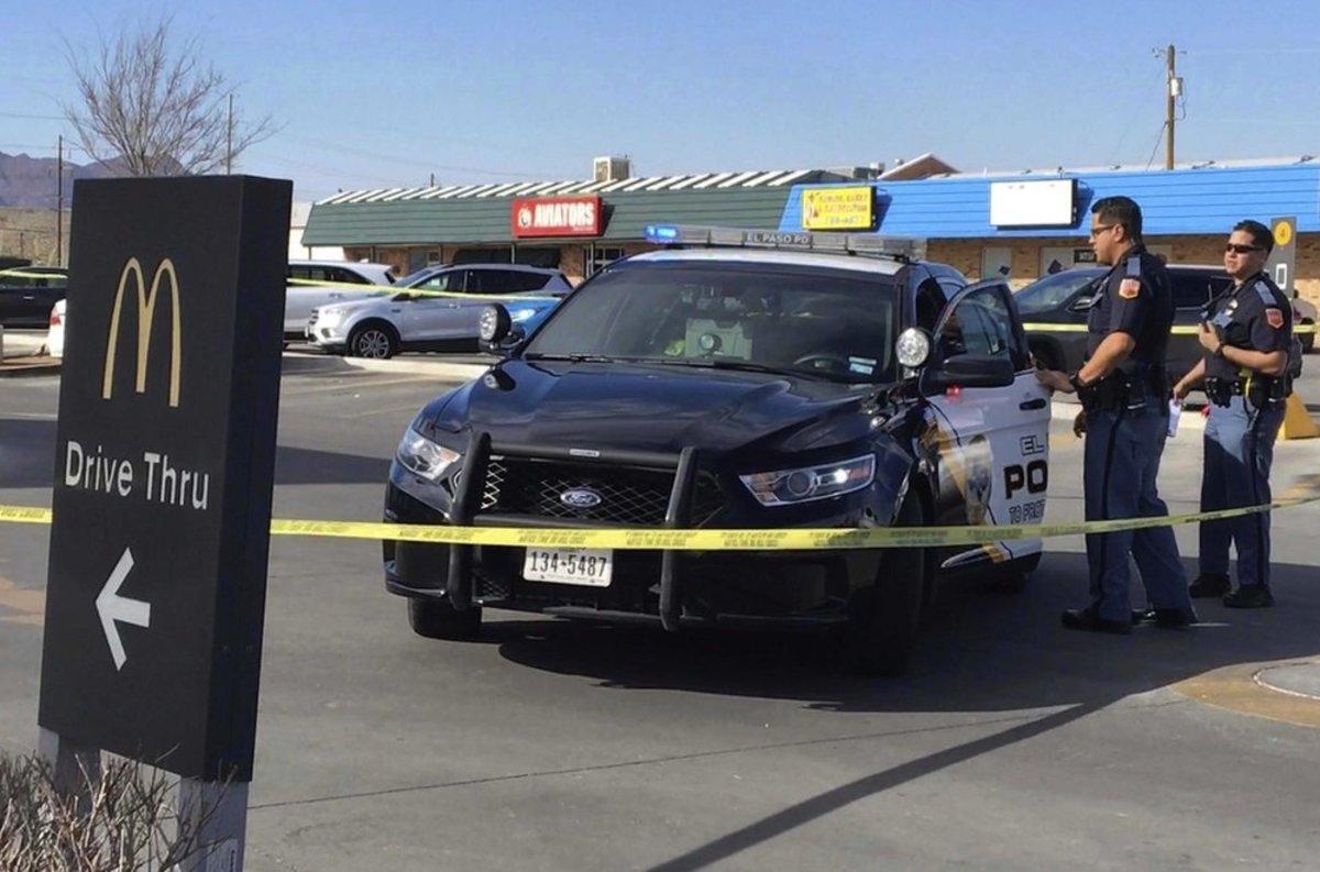 Un hombre apuñaló a una niña al azar en un McDonald's de Texas