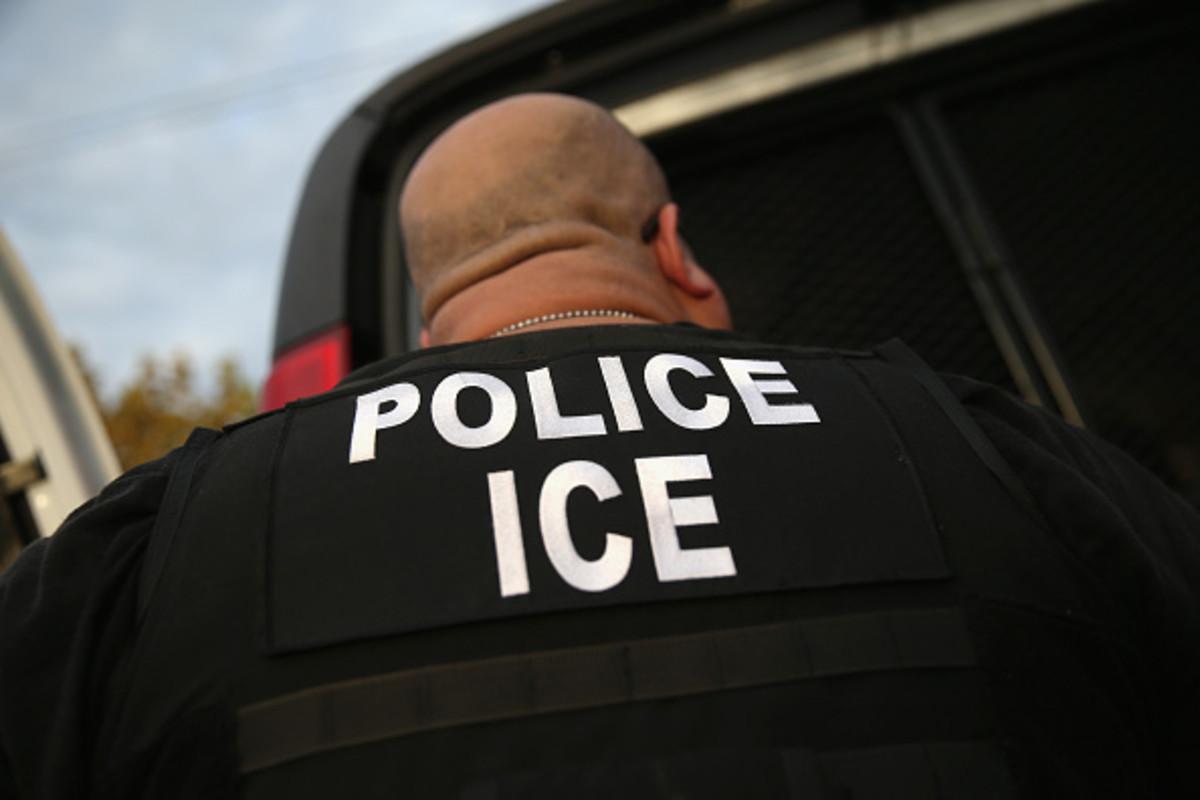 Arresto de migrantes en tribunales de California es condenado por autoridades