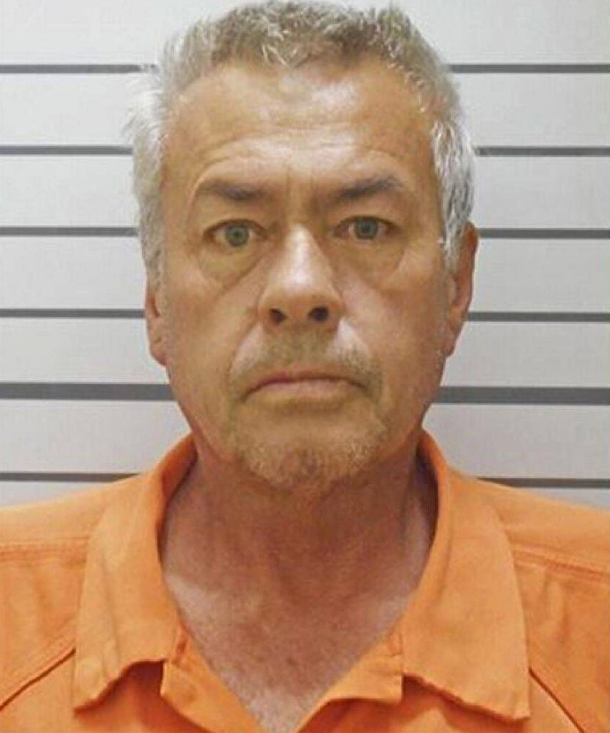 Secuestró a su hijastra y le hizo 9 hijos en cautiverio (FOTOS)