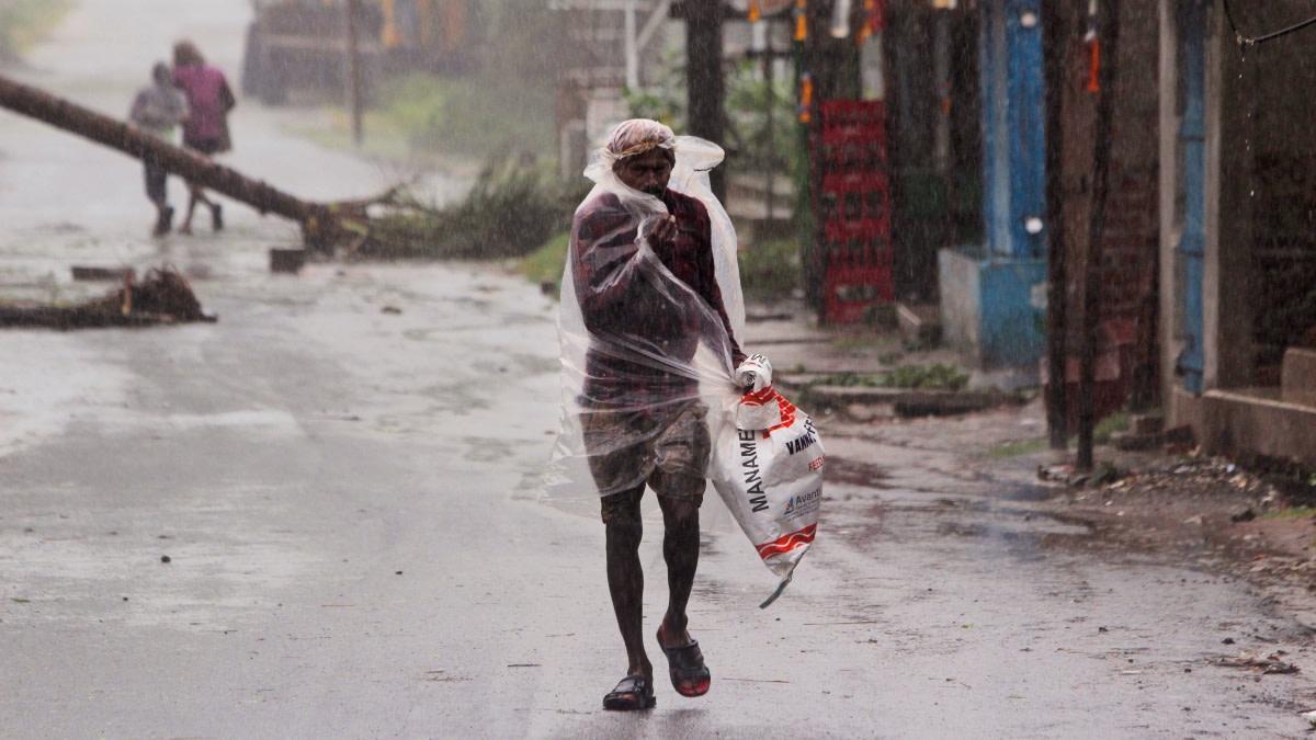 Superciclón deja 24 muertos en India y Bangladesh (FOTOS)