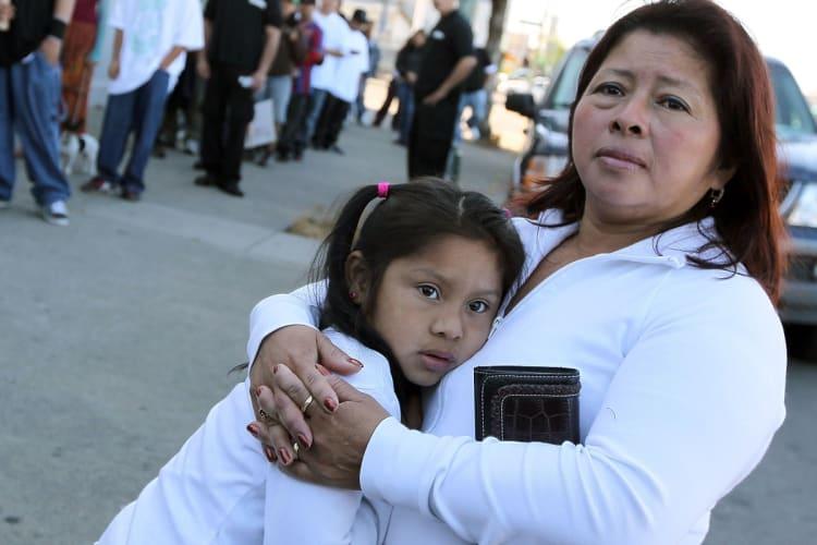 Hispanics in Arizona wait and despair for second aid check