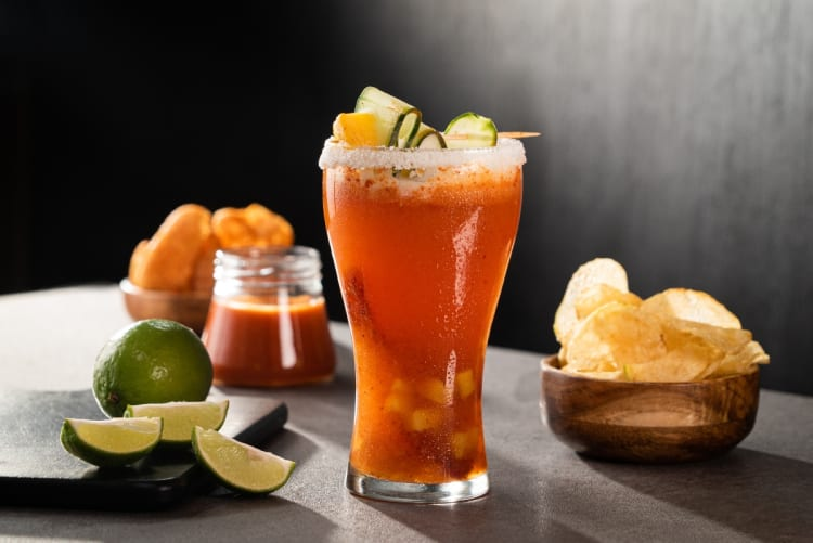 Michelada: the iconic drink to refresh the summer days (VIDEO + RECIPES)