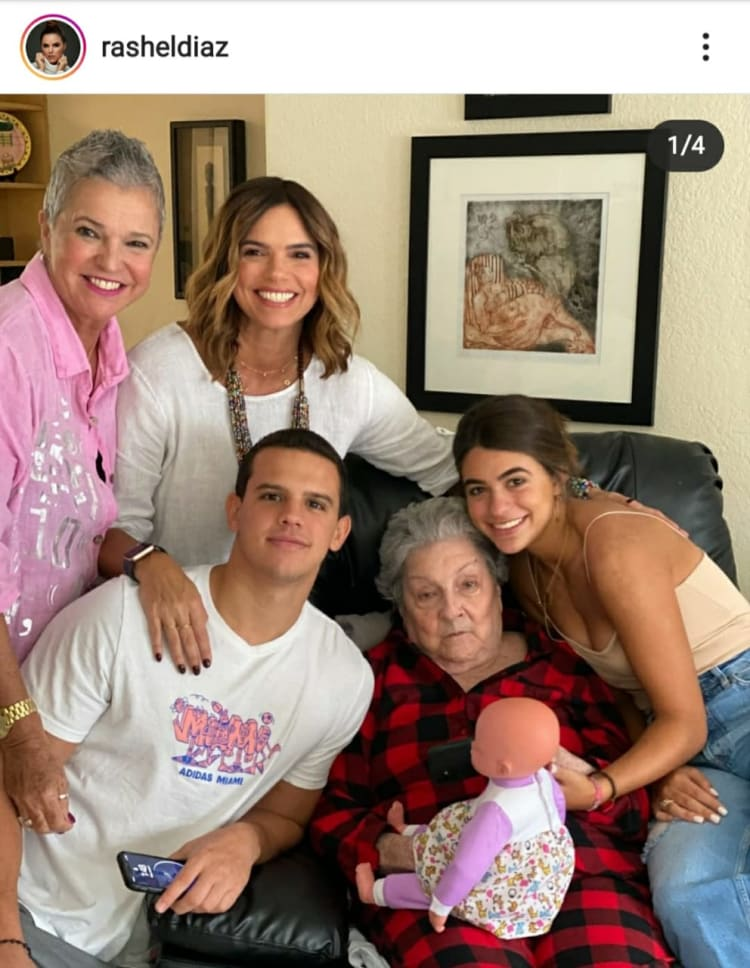 Rashel Díaz comes out to defend himself for accusations that he abandoned his grandmother