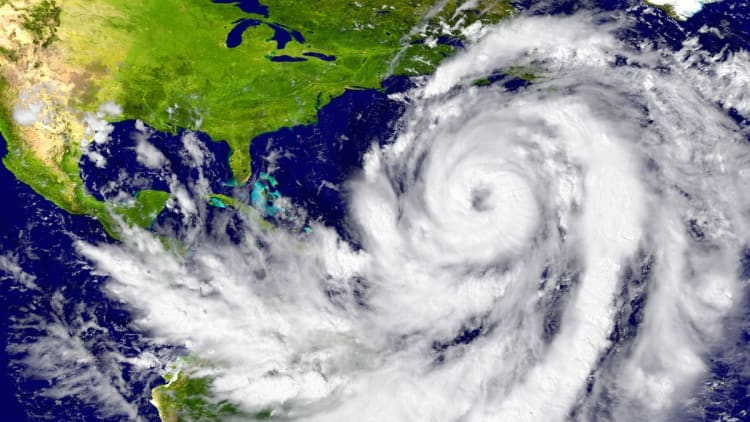 Hurricane Delta Warning: The first warning for the US is issued.