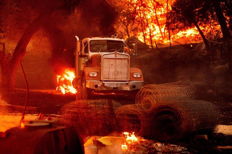 Alerta peligro extremo incendio en California por fuertes vientos