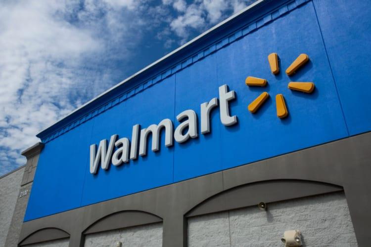Walmart se prepara para suministrar vacuna contra coronavirus en 5 mil tiendas
