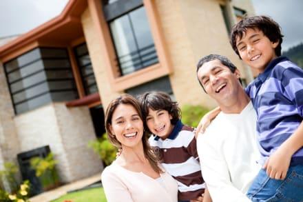 PInmobiliarias crean guía para que hispanos compren casas