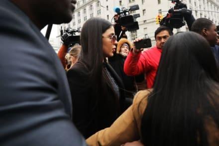 "Abogado de Emma Coronel llama ""idiota"" a Satcha Pretto en pleno programa en vivo (VIDEO)"