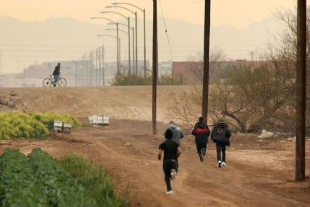 Graban a indocumentados escapando de la Patrulla Fronteriza en Texas (Video)