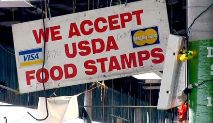 Proponen en Texas incluir nombre y foto en 'food stamps' para evitar fraude