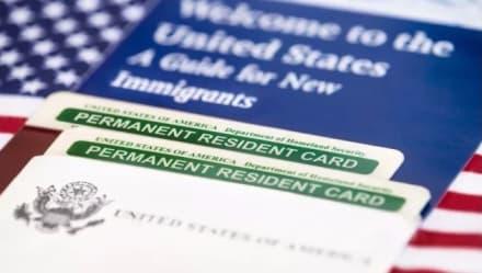 Autoridades advierten sobre estafas con procesos migratorios