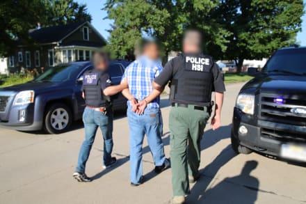 ICE arresta a 78 inmigrantes en Arizona, 19 de ellos escondidos en una casa
