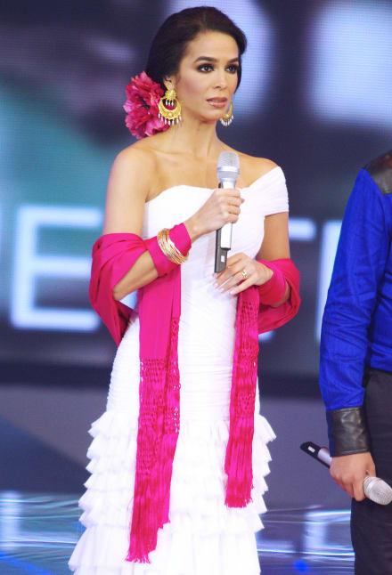 Biby Gaytán le da 'lección de elegancia' a Aracely Arámbula (FOTO)