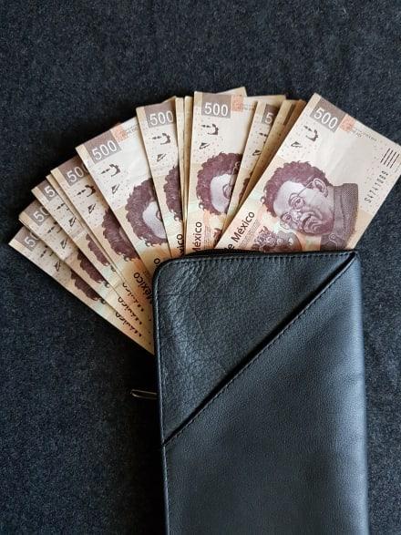 ¿A cuánto está el cambio del dólar al peso el 3 de noviembre y por qué?