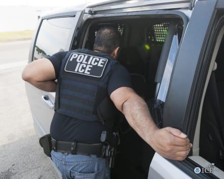 ICE arresta a 16 individuos en operativo contra acusados de delitos sexuales en Nueva York