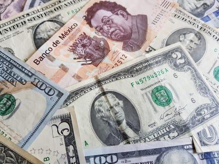 ¿A cuánto está el cambio del dólar al peso hoy 13 de octubre y por qué?