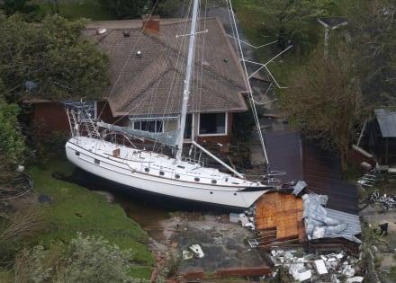 Aumentan a 14 los muertos por Florence, que se degrada a depresión tropical