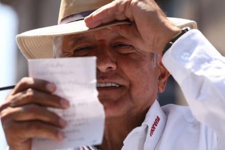 """López Obrador sólo necesita lugar para """"un catre y una hamaca"""" en Palacio Nacional"""