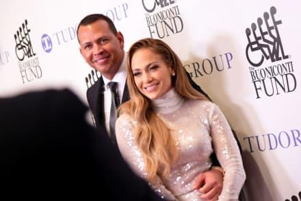 Con controversial 'look', Jennifer López despertó rumores de embarazo