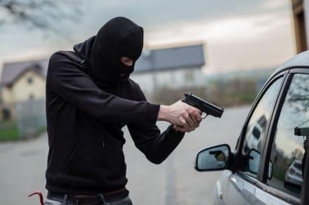 ¿Cómo evitar asaltos mientras conduces?