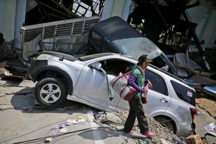 Desesperación entre las víctimas del sismo de Indonesia