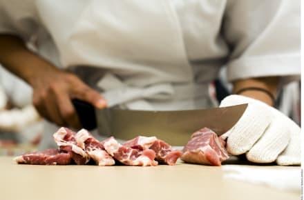 Retiran millones de kilos de carne por un brote de salmonella