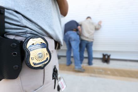 Acusan a juez en Massachusetts de ayudar a indocumentado a huir de ICE