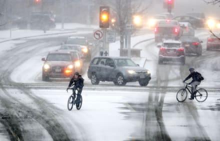 Alerta por frente de frío extremo en Texas obliga a cancelar clases y actividades