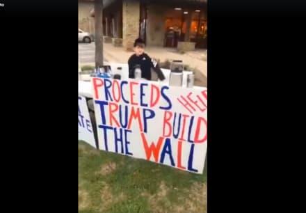 Niño de Texas vende chocolate para ayudar a Trump a construir el muro (VIDEO)
