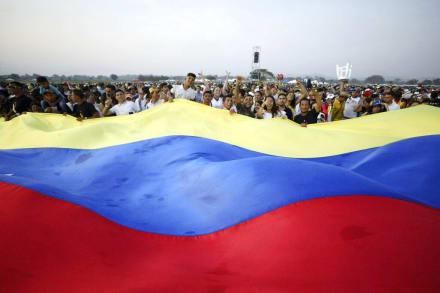 Trump critica socialismo y espera que Venezuela logre independencia verdadera