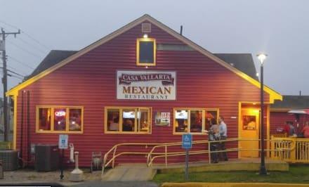"""Atacan a hombre por usar gorra """"MAGA"""" en restaurante mexicano en Massachusetts"""