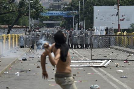 LO ÚLTIMO: Tensión en frontera Colombia-Venezuela; quinto militar se rebela contra Maduro