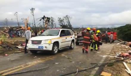 Asciende a 23 el número de muertos por tornado en Alabama