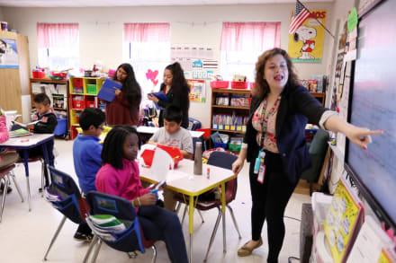 Implementan programa para formación de maestros bilingües en Georgia