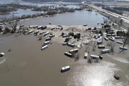 Gobernador de Missouri declara emergencia ante letales inundaciones